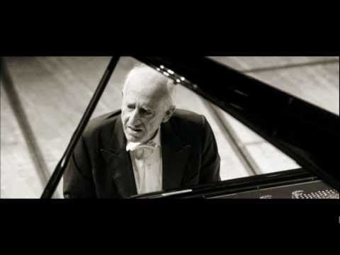 Maurizio Pollini plays Beethoven: Sonata op.13 no.8 'Pathétique' (1/2) (Lucerne 2012)