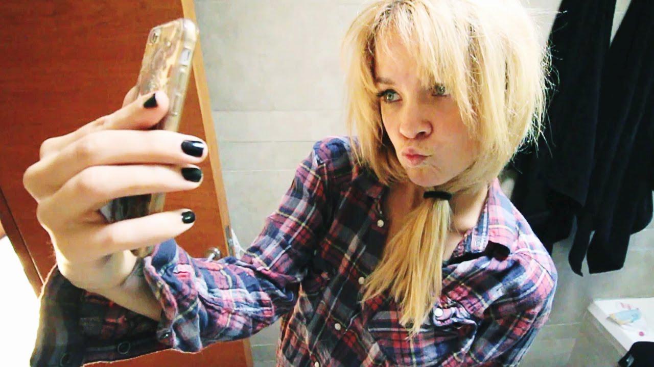 Lo qu hacen las chicas en el ba o lele youtube for Chicas en el bano