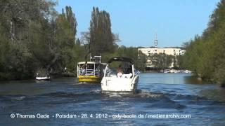 Mit dem Motorboot durch Potsdam auf der Havel