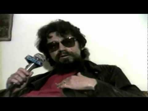 Raul Seixas - A mentira do sistema (Entrevista TV Gazeta 1988)
