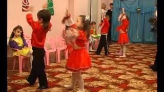 Танец А я яй девчонка средняя группа д с 306 Одесса Wmv