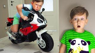 سينيا البالغ من العمر 5 سنوات وحيله عبر الدراجة