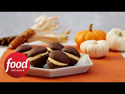 Whoopie pies holiday baking championship food network youtube forumfinder Choice Image
