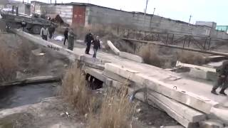 Украинские морпехи выгоняют 'самооборону' Украина россия война