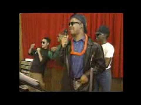 Karaoke introduced to Missouri, 1989