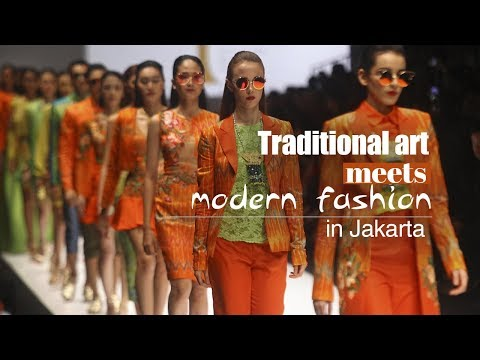 Live: Traditional art meets modern fashion in Jakarta 2018雅加达时装周