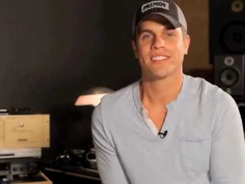 Dustin Lynch Q&A: Carie Lynn asks 'Will you marry me ;)
