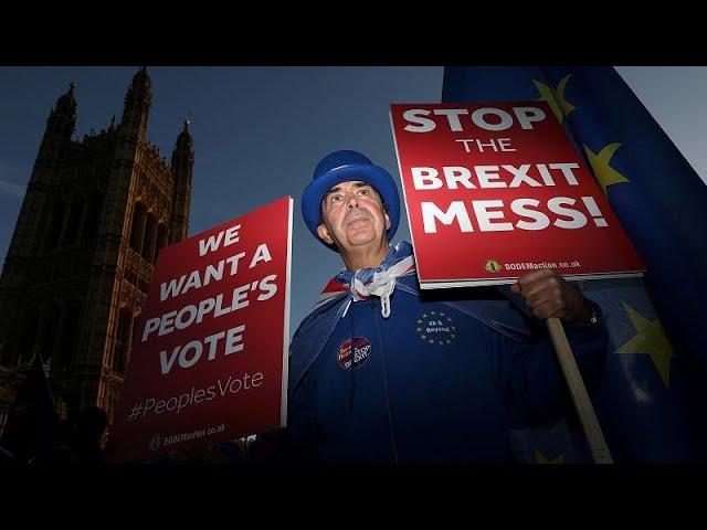 <span class='as_h2'><a href='https://webtv.eklogika.gr/m-vretania-simera-to-krisimo-ypoyrgiko-symvoylio-gia-to-brexit' target='_blank' title='Μ. Βρετανία: Σήμερα το κρίσιμο υπουργικό συμβούλιο για το Brexit…'>Μ. Βρετανία: Σήμερα το κρίσιμο υπουργικό συμβούλιο για το Brexit…</a></span>