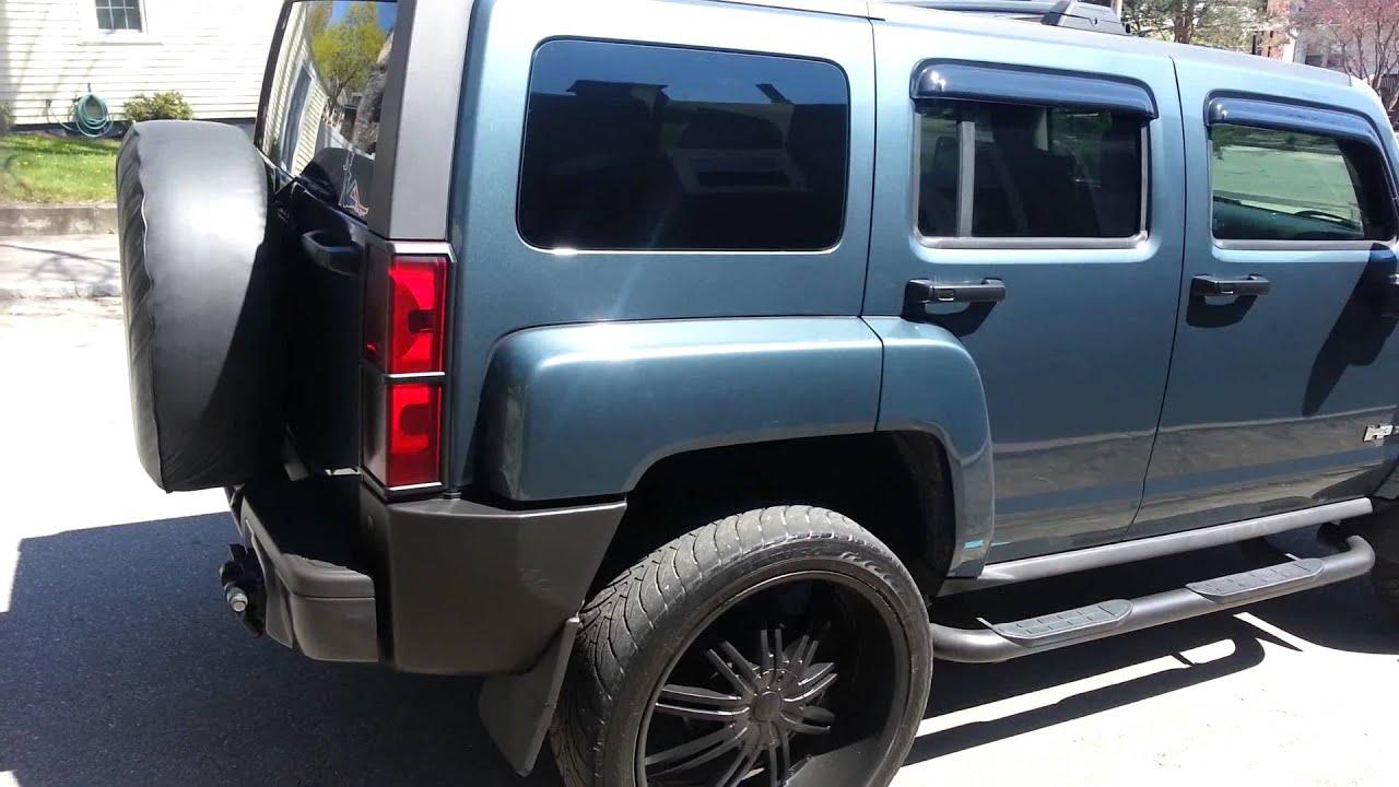 Custom Hummer H3t Blue