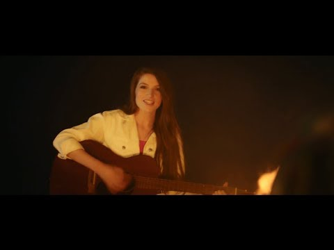 Catherine McGrath - Lost In The Middle (Official Video) Mp3