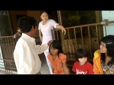 Xôn xao clip em bé bị bác sĩ từ chối chữa bệnh vì nghèo.FLV