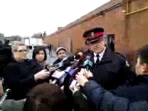 Break Ins To Chinese Businesses   Call Toronto Police 416-808-4200 Or Crime Stoppers 1-800-222-8477