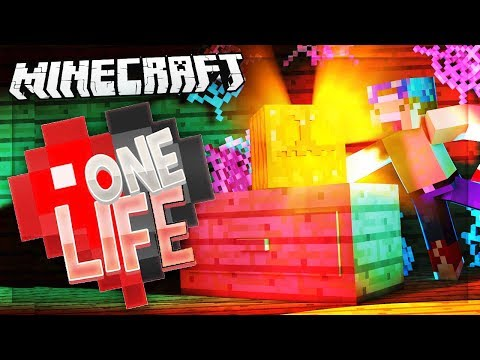 HALLOWEEN DECORATIONS! | One Life SMP #40