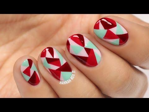 Réaliser un nail art géométrique et coloré