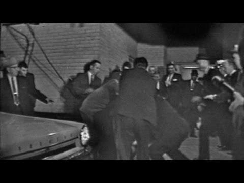 Lee Harvey Oswald shot by Jack Ruby
