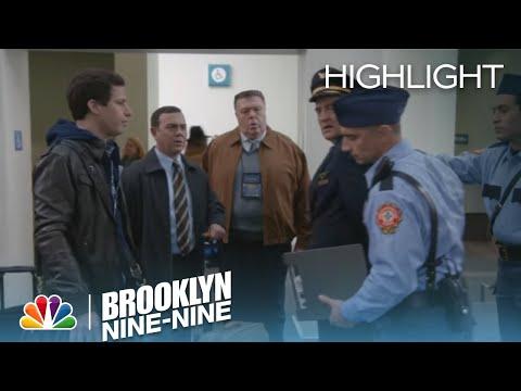 Brooklyn Nine-Nine - Skully Is Under Arrest (Episode Highlight)