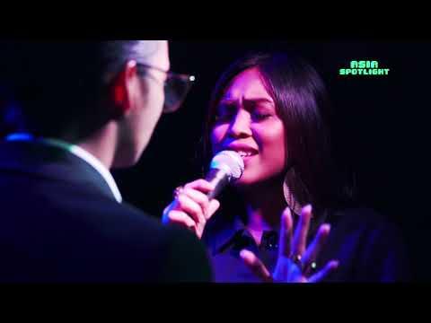 Hael Husaini performs