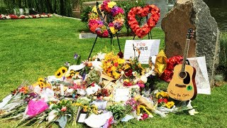 Visiting The Gravesite Of Singer And Musician Chris Cornell In Hollywood, CA
