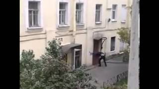 Когда на двери нет звонка