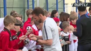Тренировка сборной Англии по футболу на базе под Санкт Петербургом LIVE