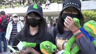 香港银发族与中学生不割席 同反警滥射催泪弹