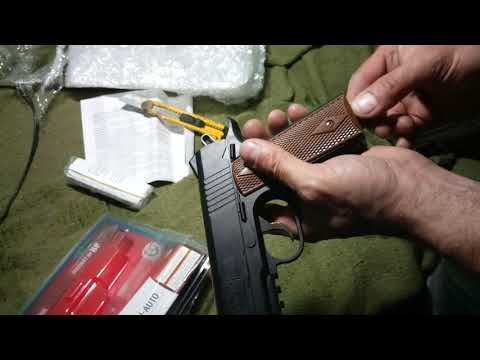 Пневматичний пістолет Crosman 1911BB