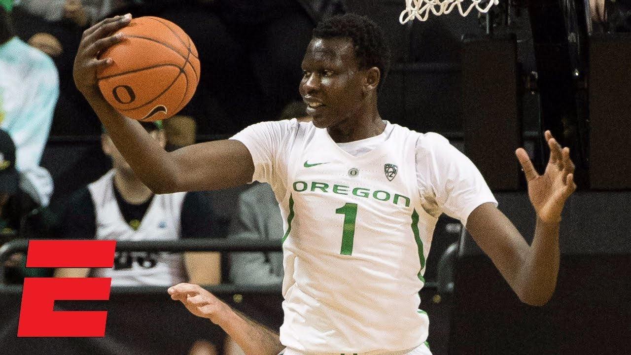 Bol Bol dominates with 23 points, 12 boards, 4 blocks in Oregon win | College Basketball ...