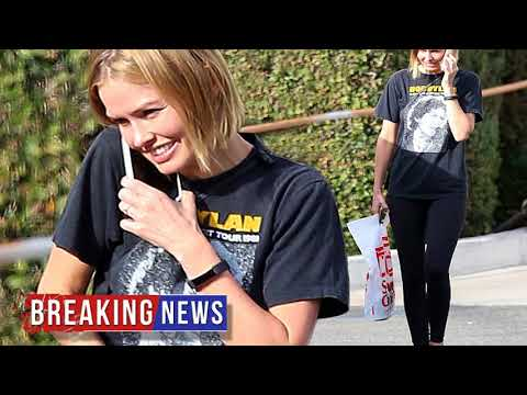 HOT NEWS Lara Bingle keeps it casual shopping in Los Angeles   Daily Mail Online