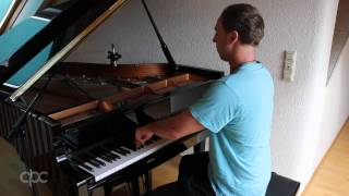 Download Alicia Keys - Empire State Of Mind (Benedikt Waldheuer Piano Cover) MP3 song and Music Video