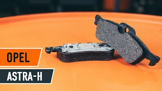 Come sostituire pastiglie freno della parte posteriore su OPEL ASTRA H Sedan [TUTORIAL DI AUTODOC]