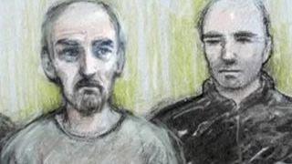 Убийца Кокс в суде пожелал смерти предателям