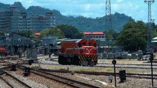 [HD] The Taiwan TRA shunting engine GM EMD G22U R100 R118 at Taitung Station