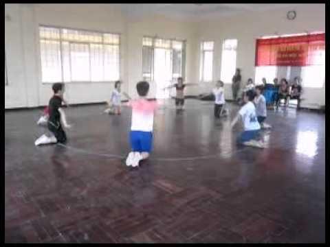 Bài biểu diễn miêu tả động tác mẫu thể dục nhịp điệu thiếu nhi 2012