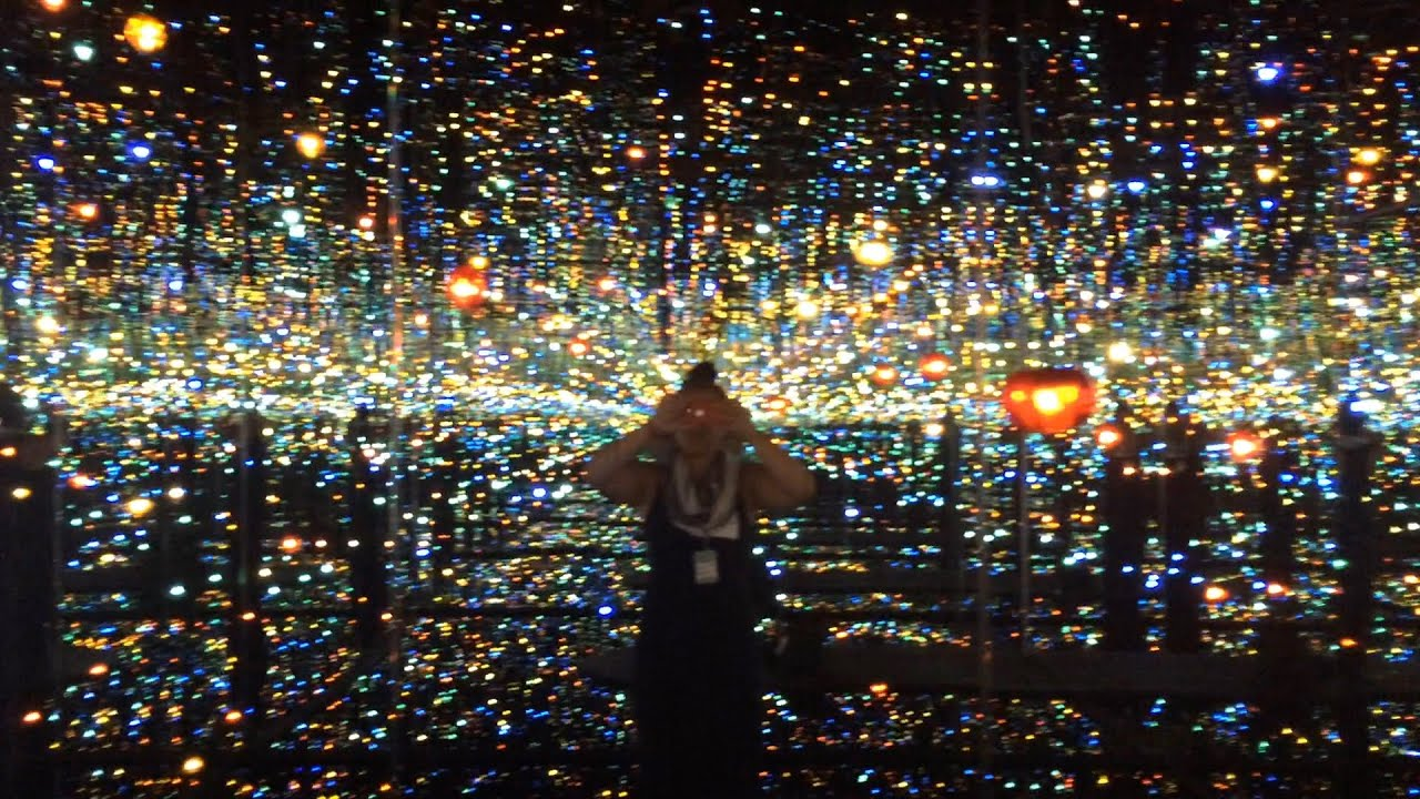 Sneak Peek Inside Yayoi Kusama S Infinity Mirrored Room