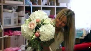 видео Свадебные бокалы - непростая красота. Как выбрать и оформить изящные фужеры?
