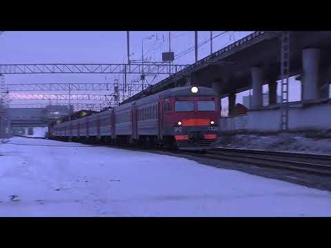 Электропоезд ЭР2-1338 (ТЧ-22) пригородный поезд №6964 Тула-1 - Москва (Курский вокзал).
