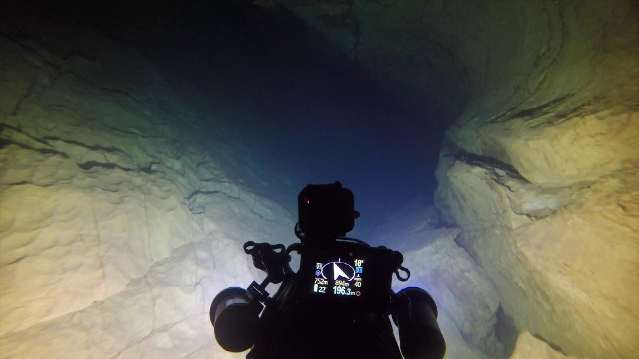 Cave Diving Alviela 215m