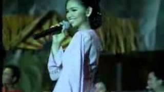 SWATARI  ( KURIK KUNDI SITI NURHALIZA ) BY TheEmailda LIVE !