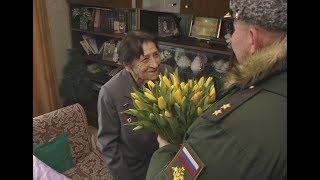 В Самаре для 96-летней участницы Великой Отечественной провели мини-парад