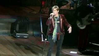 David Bowie - Diamond Dogs / Five Years (Wantagh - 04.06.2004)