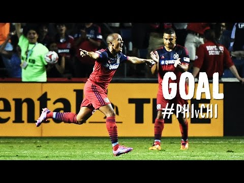 GOAL: Robert Earnshaw chips Mbolhi to score the equalizer | Philadelphia Union vs. Chicago Fire