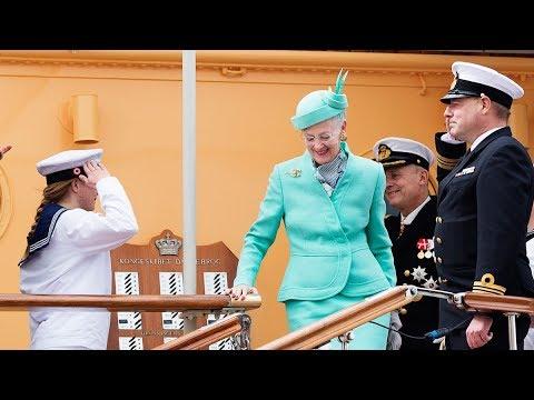 Livestream fra BILLED-BLADET - Dronning Margrethe ankommer til Bornholm