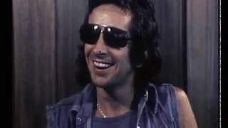 Bon Scott interview in Hobart - 1977