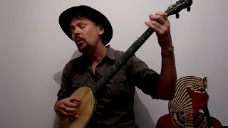 Gambar cover Tom Dooley - Old time three-finger style banjo by Davey Bob Ramsey
