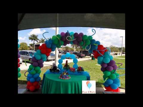 Twisting a balloon little mermaid with ben 39 s balloons doovi for Ariel decoration ideas