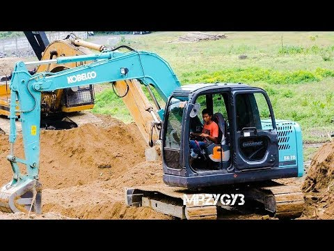 Mini Digger Excavator Kobelco Working