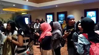 Video Film Silariang Cinta yang (Tak) Direstui Tayang Perdana, XXI BTC Bandung Diserbu Penonton download MP3, 3GP, MP4, WEBM, AVI, FLV Maret 2018