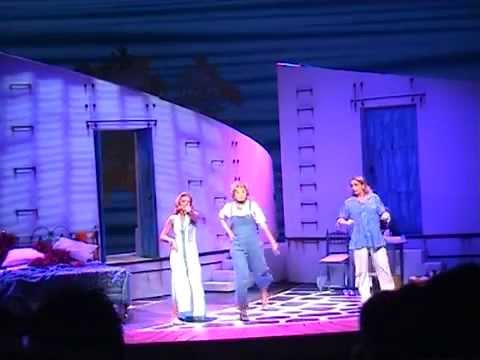 Myriam in musical Mamma Mia