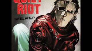 Watch Quiet Riot Loves A Bitch video