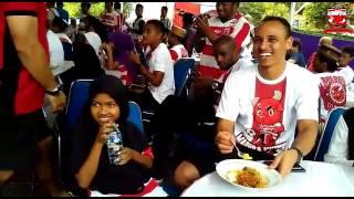 Video Mengharukan, Peter Odemwingie Suapi Anak Yatim Saat Launching Tim download MP3, 3GP, MP4, WEBM, AVI, FLV April 2017
